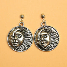 Load image into Gallery viewer, Sun & Moon Stud Earrings