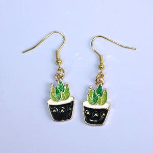 Succulent Earrings (Black Pot)