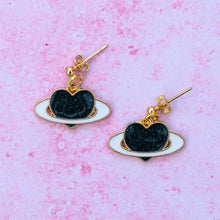 Load image into Gallery viewer, Black Heart Planet Earrings