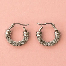 Load image into Gallery viewer, Mini Half Chain Detail Hoop Earrings
