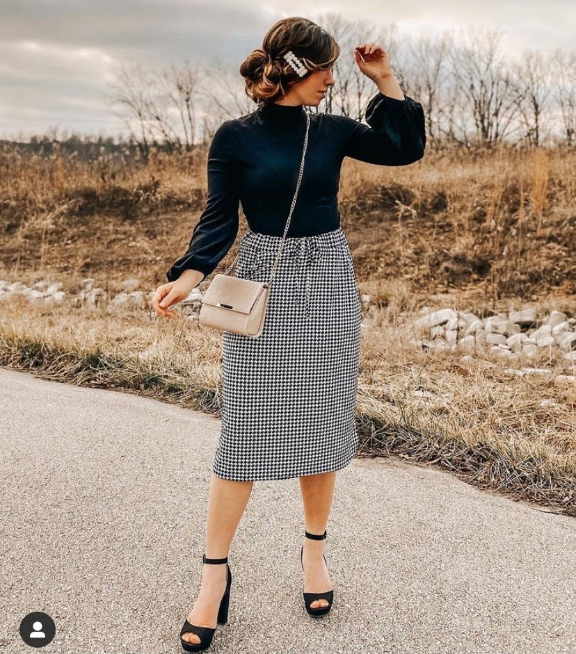 Black & White Houndstooth Elastic Waist Skirts