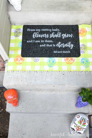 Create a layered doormat for Halloween with this easy tutorial