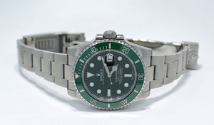Rolex Oyster Perpetual Submariner HULK 116610LV BOX/PAPERS