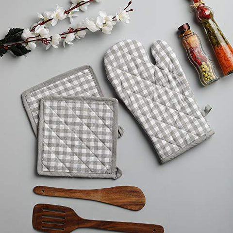 Cotton Oven Mitten And Pot Holders,3 Piece Set, Grey & White Check For Everyday Use