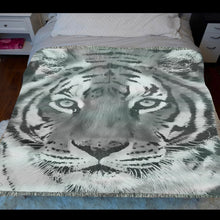 Load image into Gallery viewer, Tiger Woven Blanket