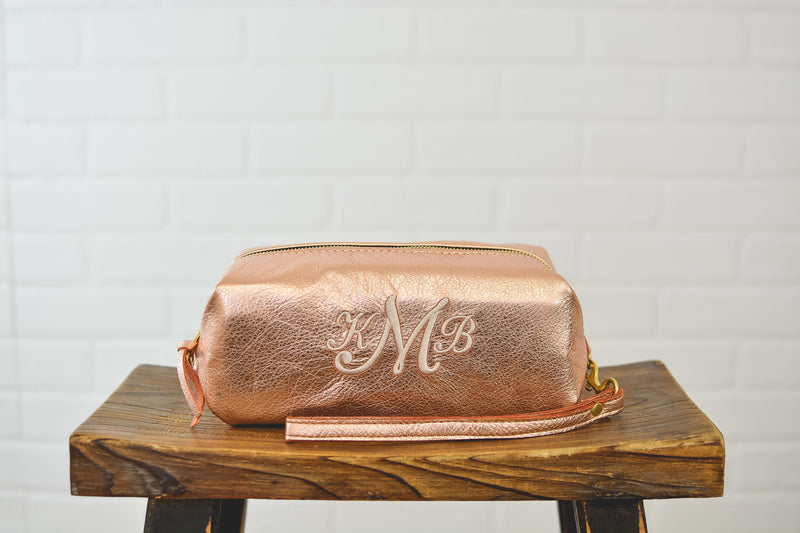 Personalized Bridesmaid Gift Rose Gold Leather Makeup Bag Cosmetic Case |Present Travel Bag Dopp Kit Purse Grad Gift for Her Mom Wife Sister