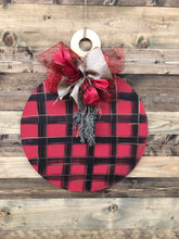 Load image into Gallery viewer, Doorhanger - Traditional Christmas Ornament (1.5hrs) $43.50