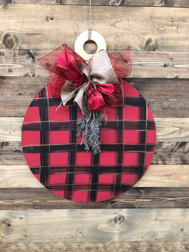 Doorhanger - Traditional Christmas Ornament