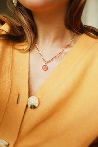 GOLD NECKLACE CHARM PEACHY MOON