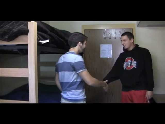 College Dorm Storage Essentials: Over The Door Hook Rack by DormCoVideo (8 years ago)