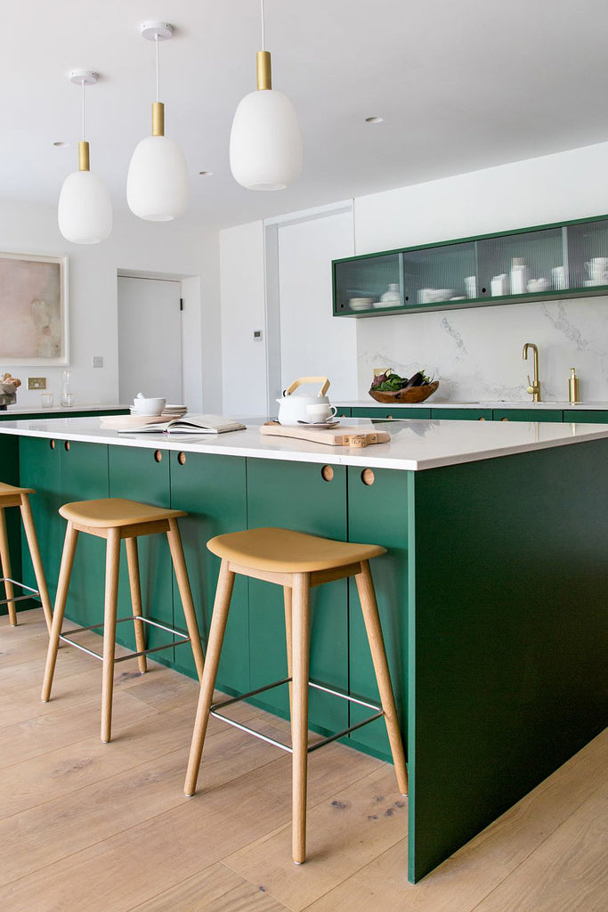 Glass Kitchen Cabinets Are Like Open Shelving, Without the Dust