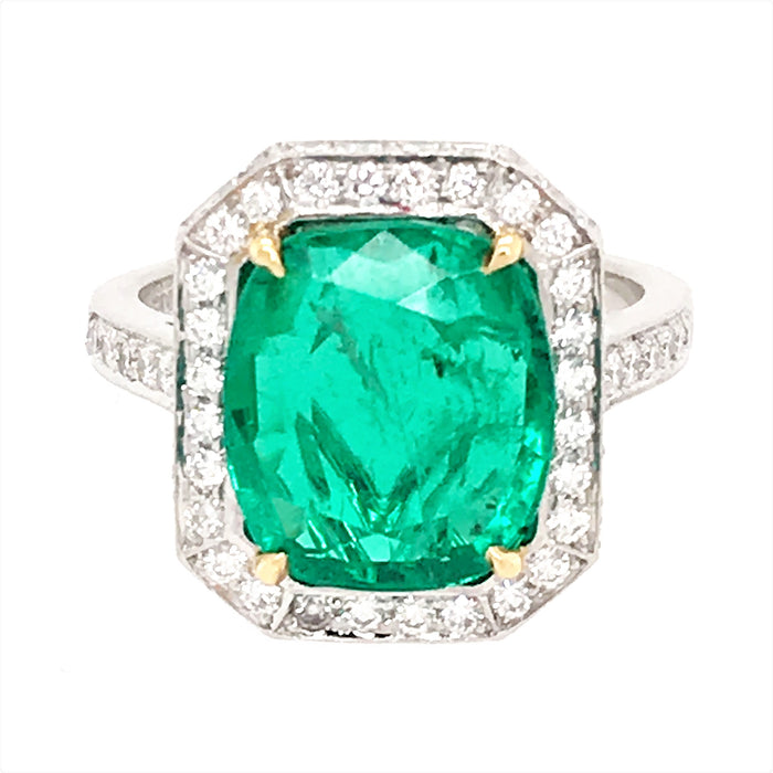 Gorgeous 4.5 Carat Emerald and Diamond Platinum RIng