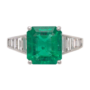 18k White Gold Emerald Asscher cut and Diamond Ring