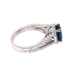 Beautiful 18k White Gold Sapphire and Diamond Ring