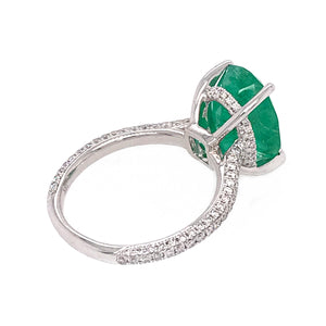 Beautiful 18k White Gold Emerald and Diamond Ring