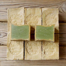 Load image into Gallery viewer, Original Aleppo Soap 200g Natural Laurel Syrian Soap Handmade  Organic Soap Skin Care for Beauty Fair Bright Clear & Soft Skin - Earth Thanks - Original Aleppo Soap 200g Natural Laurel Syrian Soap Handmade  Organic Soap Skin Care for Beauty Fair Bright Clear & Soft Skin -