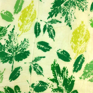 Reusable Beeswax Food Wrap Painted leaves / S 17.5x20cm / Green Home & Kitchen - earth-thanks.myshopify.com