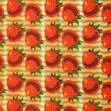 Load image into Gallery viewer, Reusable Beeswax Food Wrap Strawberry / S 17.5x20cm / Red Home & Kitchen - earth-thanks.myshopify.com