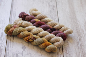 Dyed to Order • Ghost Ranch Hat Kit • Au Lait & Falling Slowly Gradient Set