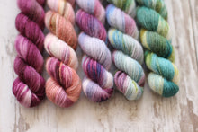 Load image into Gallery viewer, Wunderbar Mini Gradient Set • Amaranth Base • Ready to Ship