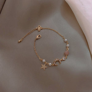 Temperament Elegant / Diamond star and moon bracelet