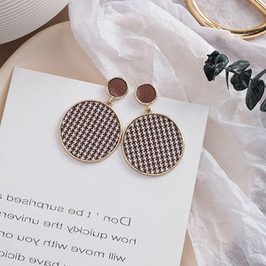 Temperament Elegant / Black and White Mosaic Earrings