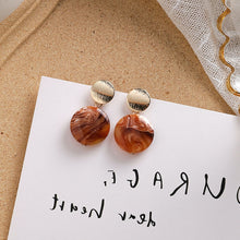 Load image into Gallery viewer, Temperament Elegant / Short Brown Circule and Gold Earrings