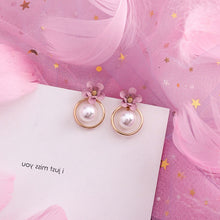 Load image into Gallery viewer, Temperament Elegant / White pearl and flower earring