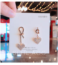 Load image into Gallery viewer, Temperament Elegant / Gold and Diamond Hearth earrings