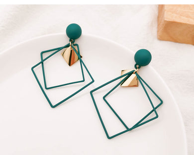Temperament Elegant / Green long earring