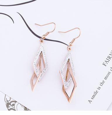 Temperament Elegant / Geomteric long gold earrings