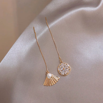 Temperament Elegant / Gold geometric shape earrings
