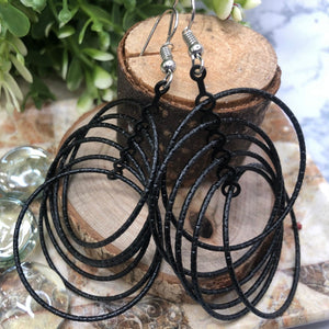 Temperament Elegant / Long black hoop earrings