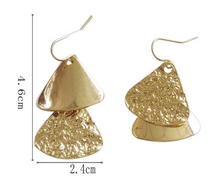 Load image into Gallery viewer, Temperament Elegant / Geometric Gold Triangle earrings