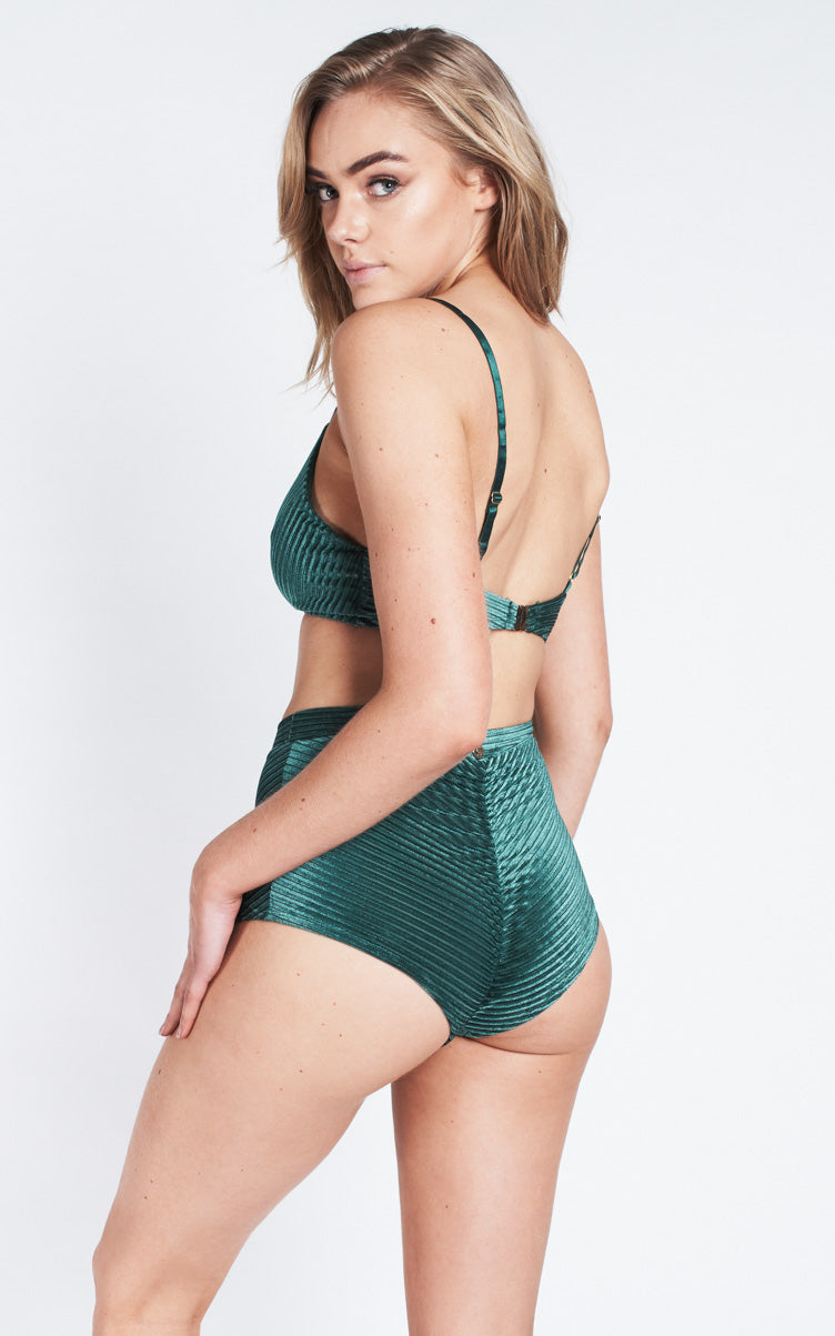 Lana High Waist Shorts – Emerald