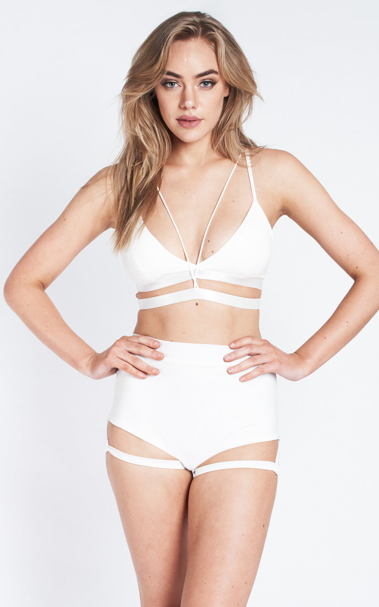 Lure You High Waisted Garter Shorts – White