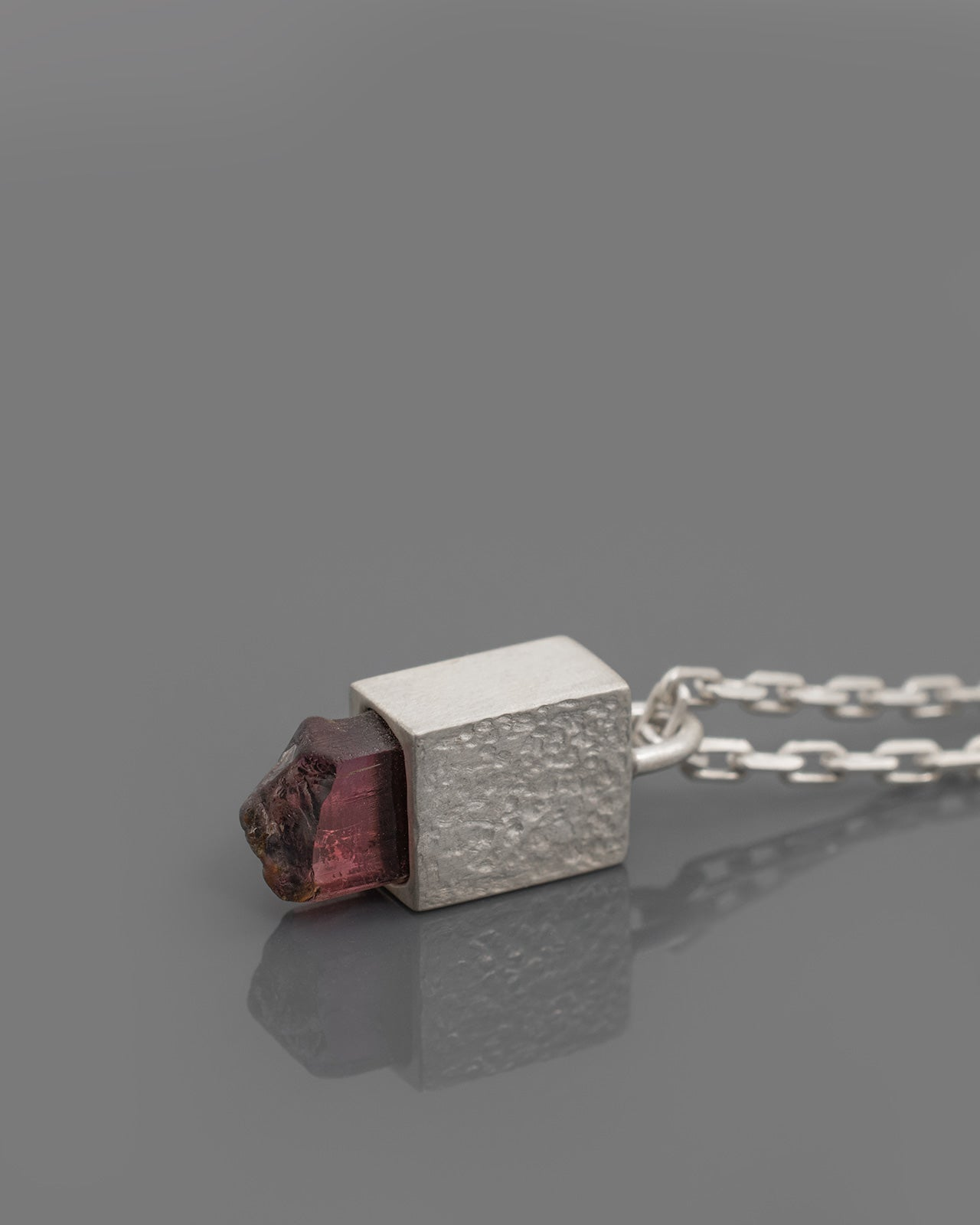 RED-TOURMALINE-PENDANT