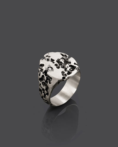 PLAGU-DIAMONDS-RING