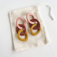 Load image into Gallery viewer, Polymer clay chain link earrings