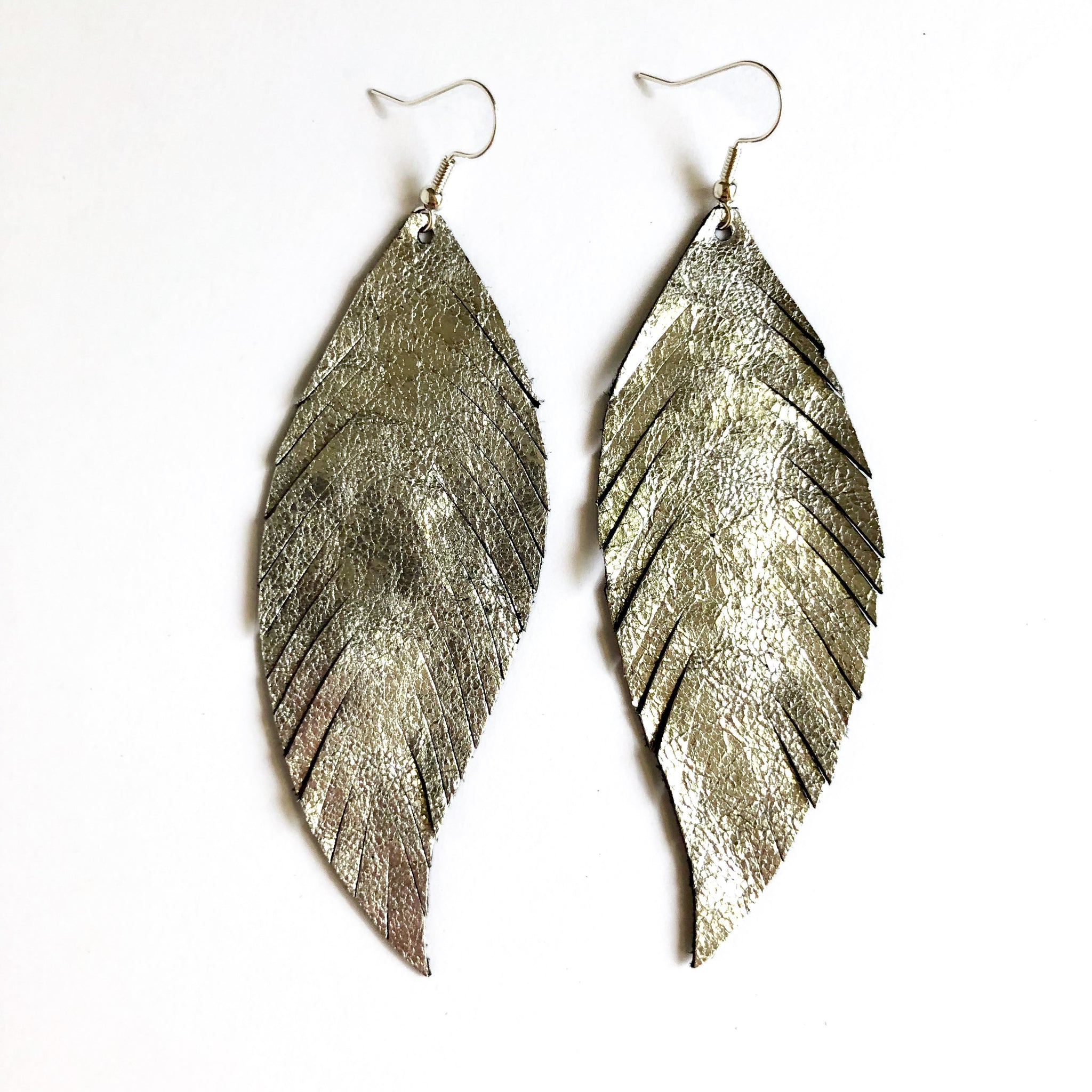 SILVER LEATHER FEATHER EARRINGS