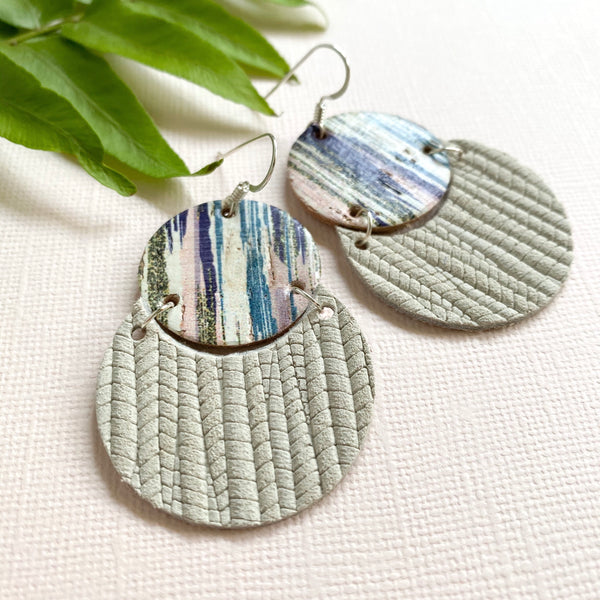 BRUSHSTROKES AND ANTIQUE WHITE CIRCLE LEATHER EARRINGS