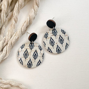 ONYX FEATHERS Disc Cork Earrings