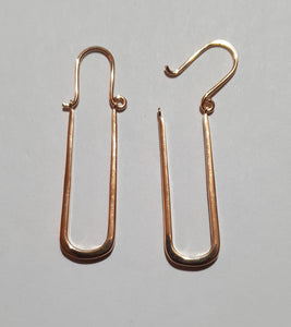 Thin paperclip like earring rosegold plated