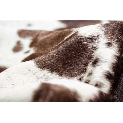 Cowhide Rug Aprox  5' X 7' Salt& Pepper Brown/White