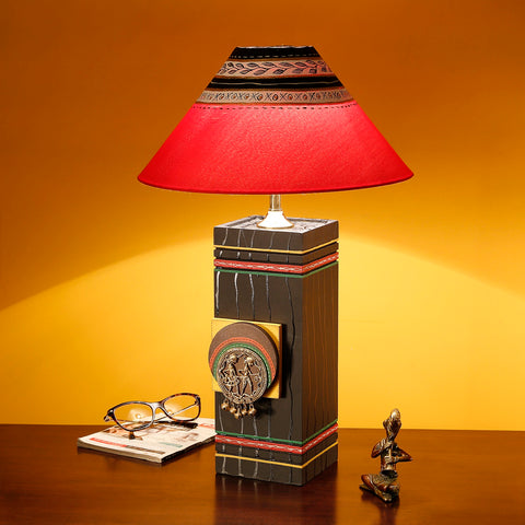 Handcrafted Pine Wooden Table Lamps Home Decorative Bedroom Table Lamp