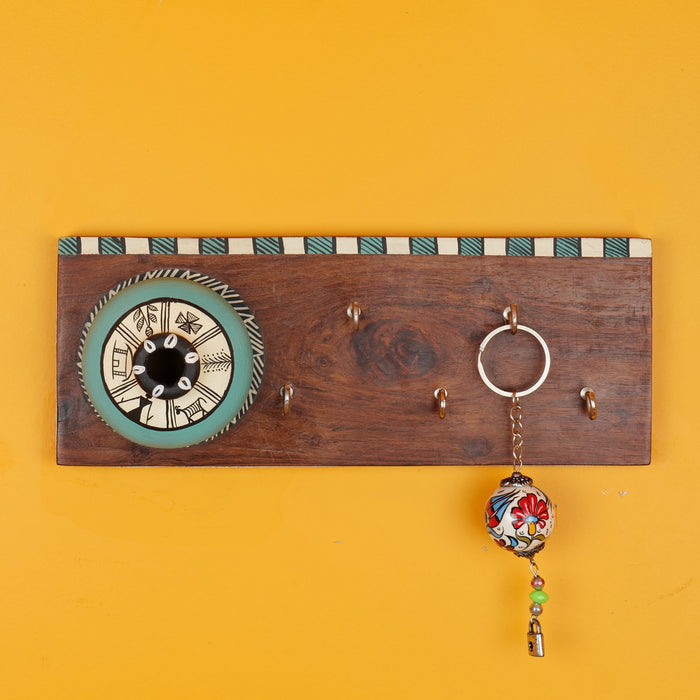 'Matki On Top' Handcrafted Wooden Decorative Key Holder In Blue Color