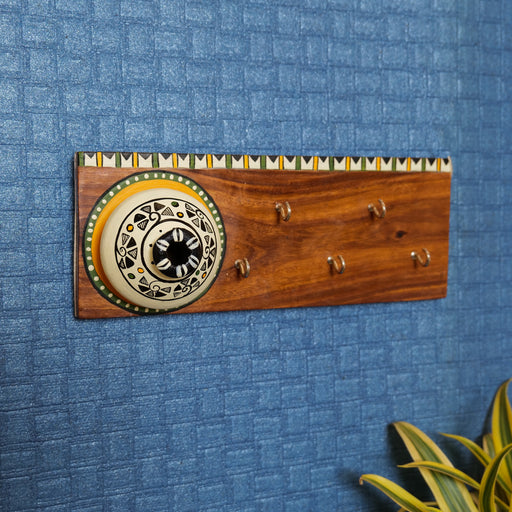 """Matki On Top"" Handcrafted Wooden Key Holder In White Color"