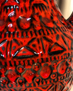 Bay Keramik Red and black 225-30 vase