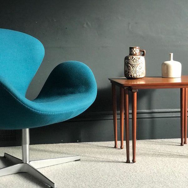 Swan chair by Arne Jacobsen for Fritz Hansen • mid-century •
