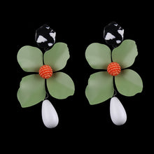 Load image into Gallery viewer, Floral Spring Earrings